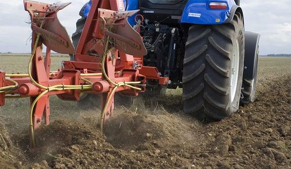 Compactación del suelo causada por los neumáticos de tractor