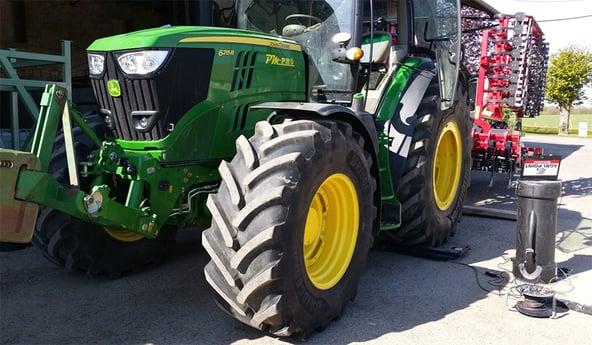 Instrumentos de pesaje para neumáticos agrícolas